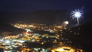Jackson\'s Independence Day fireworks, viewed from the top of High School Butte. Photographed July 4, 2008.